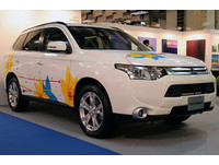 汽車變畫布 中華彩繪車進駐台北新藝術博覽會
