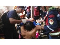 厄瓜多強震後13天,瓦礫下傳來呼救 ...72歲男奇蹟生還!