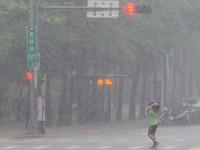 快訊/雨彈來襲! 氣象局深夜發布:北北基宜大雨特報