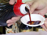 化學毒醬油賣遍全台夜市 邊逛邊吃致癌物入你肚
