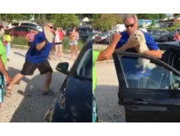 烈日下小狗鎖車內!大叔猛砸BMW車窗 「再等牠會死」