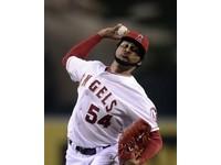 MLB/先執行選擇權再換 天使送桑塔納去皇家