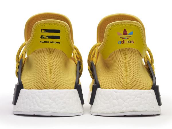 "x PHARRELL WILLIAMS NMD ""HU""鞋款各角度细节.(图/翻摄自"