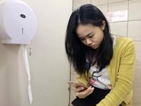 沖馬桶不關蓋? 「6大壞習慣」細菌染全身...玩手機更噁
