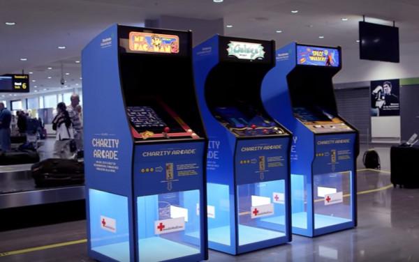 投台幣也能做善事 瑞典機場推出遊戲捐款機台