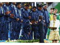 史上首面奧運獎牌就是金!  斐濟總統:全國放假一天