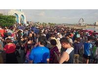 4千玩家塞爆南寮漁港抓寶 鄉民笑「我去那邊賣烤香腸」