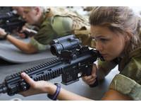 真平等!挪威女生要當兵 跟男生一起出操一起睡!