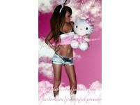 「在家歌手」化身兔女郎 潔瑪拍攝性感月曆