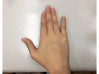 來玩「手指操」吧! 這7個動作據說只有1%能做到
