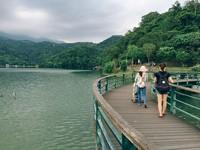 宜蘭最美湖畔「龍潭湖」人車爭道 明年暑假車輛管制