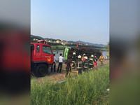 快訊/大佳河濱公園吊車翻覆 15噸車身壓人