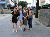 泰國網紅揪團整形! 4姊妹頂「豬頭」上街被網友大讚
