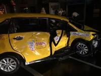 即/信義區雨夜巨響!20歲賓士駕駛載4友撞迴轉小黃 1死5傷