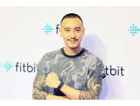 Fitbit 進軍台灣!Charge 2、Flex 2 運動手環售價公開