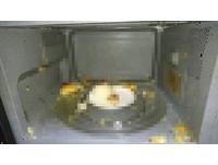 「我的早餐爆炸了」蛋黃酥微波10秒…砰!化學老師解答