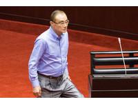 盧秀燕點名「請100分部長上台」 馮世寬默默起身上前