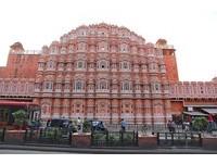 讓女子偷窺街道而建!印度「風之宮殿」 7層樓有953扇窗