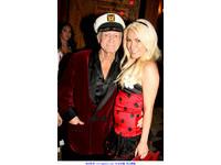 86歲《Playboy》創辦人娶E奶嫩妹 女爆:床上只有兩秒