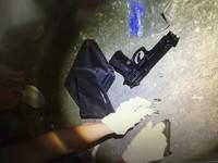 毒品交易黑吃黑強押提款 毒男落跑開2槍襲警遭趕下車
