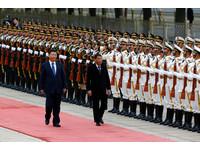 南海問題暫擱 杜特蒂:將再訪中國大陸加強雙邊關係!