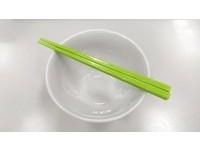 錯了?「先拿碗再拿筷子」 日上班族被長官罵:沒禮貌