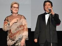 梅莉史翠普現身日本東京影展 首相安倍晉三緊張示好