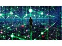 好像走進宇宙星河裡!今年赴日必看的3大互動式光體展