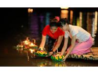 今年水燈節慶不慶?泰國達府9999盞水燈紀念泰王