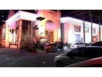 酒客消費糾紛?BMW男撂友持棍砸酒店 大廳像被轟炸過