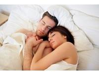 燃脂效果更勝晨跑! 「早上愛愛」7大好處...快搖醒他