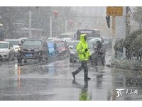 烏魯木齊入秋降暴雪 溫度驟降至最低零下14度