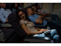 專家告訴你「飛機起飛和降落時不要睡覺」的原因