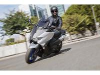 豪華科技更實用 YAMAHA發表新一代T-MAX 530重機