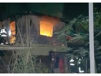 岡山加蓋鐵皮屋驚傳火警 一婦人全身焦黑陳屍窗邊
