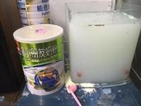 「金魚說肚子餓了」...兒子往他魚缸倒奶粉 網笑瘋:牛奶海鮮鍋