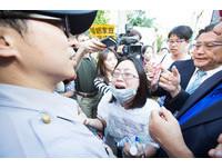一道解釋文 反同婚抗議團未申請路權警方也無權驅離