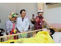 紅鼻子醫生溫柔唱 14歲呼吸衰竭童「不用安眠藥」睡著了