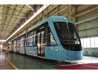 圖多!淡海輕軌列車亮相 最高時速70公里、可載265人