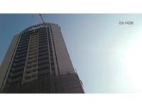 台中七期豪宅工安意外 「30樓高落石」砸死1工人