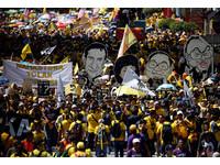 大馬總理貪汙數十億美金 5萬「淨選盟」黃衫軍靜坐抗議