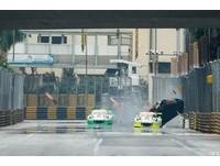 撞到翻車還能奪冠 澳門大賽車Audi車手尷尬領獎