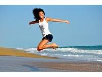 跳躍讓人感到快樂! 8個「超簡單」動作直接影響你心情