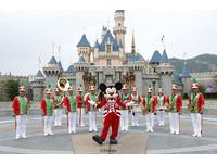 米奇與你樂享香港迪士尼樂園雪亮聖誕商品與美食