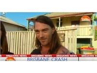 只穿三角褲追肇事司機 澳洲「內褲哥」爆紅