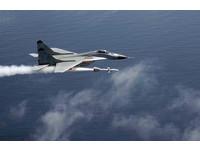 俄軍米格-35亮相 機翼下10掛點可射所有俄製空射導彈