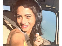 「名模副機長」首飛遇巴西空難 生前甜笑「提供最好服務」