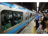 地鐵「痛勤緩和」 日本開發擁擠程度推播通知