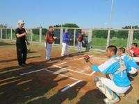 主審看捕手抓球 高志綱提醒青棒球員:可能被判成壞球