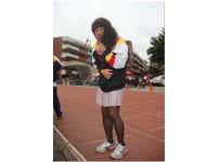 清中校慶體育班爆笑演出 一記螳螂腿掃倒黑絲襪大閨女